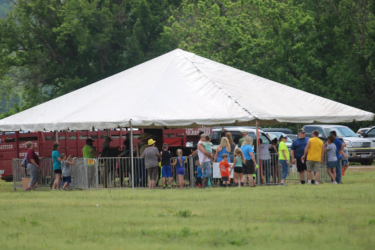 2018 ZEMBA FAMILY FIELD DAY 16.JPG
