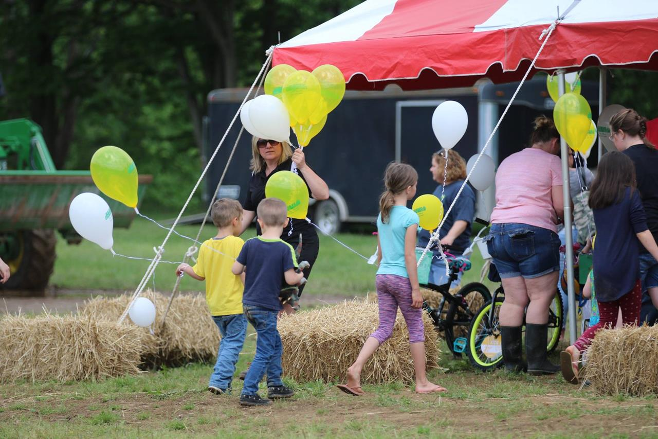 2018 ZEMBA FAMILY FIELD DAY 36.JPG