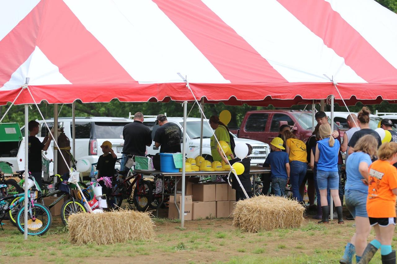 2018 ZEMBA FAMILY FIELD DAY 41.JPG