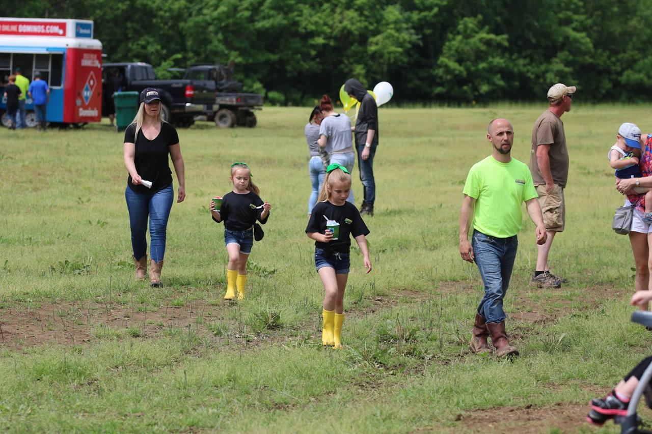 2018 ZEMBA FAMILY FIELD DAY 79.JPG