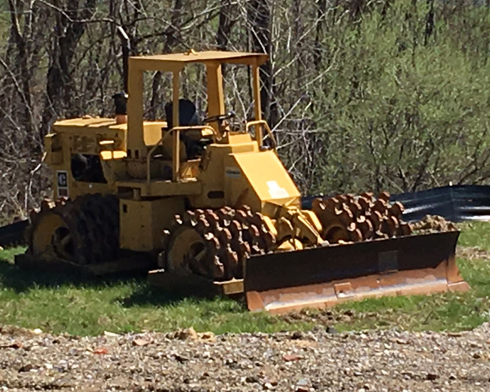 Zemba Bros Inc Compactor Caterpillar 815